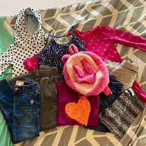 Girls Clothing Bundle- Small (6/7)